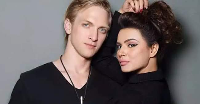 Aashka Goradia and Brent Goble share wishes on social media for 4 years of their togetherness