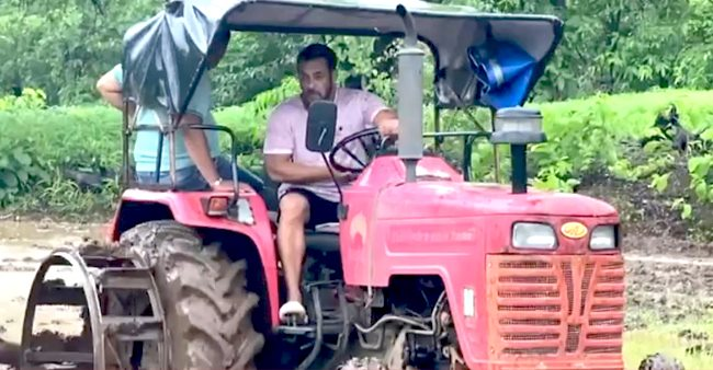 Sallu Ploughs Fields At His Farmhouse; Fans Call Him 'Real Sultan'