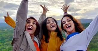 Mohan sisters on an Australian trip with jiju Nihaar Pandya is the sweetest thing