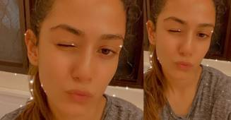 Mira Rajput blooms like a flower as she poses perfectly with a starry selfie filter; See Pic
