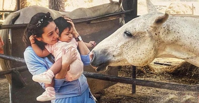 Karisma Kapoor gets nostalgic as she shares a childhood pic of daughter Samiera, calls her 'baby doll'
