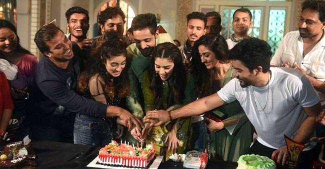 Ishq Subhan Allah: Adnan Khan And Eisha Singh indulge in celebrations on the last day of work; Pics