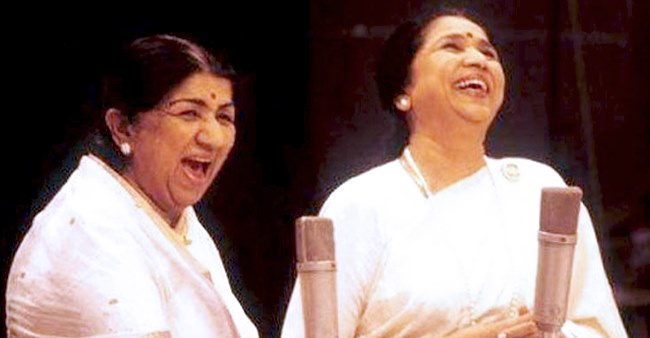 Asha Bhosle Shares Heartfelt Note On Lata Didi's Birthday; Shares Unseen Childhood Pic