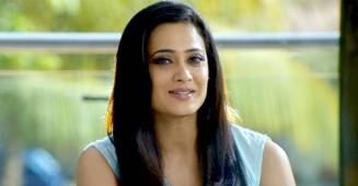Shweta Tiwari Is Reading Books To Pass Time As Actress Is Quarantining At Home; Shares Pic