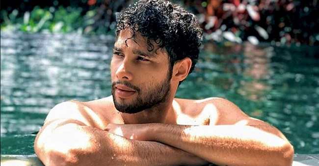 Siddhant Chaturvedi's shirtless pictures leaves everyone drooling on the internet