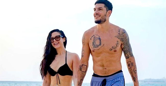Eban Hyams shares a photo of himself and girlfriend Krishna Shroff from their Beach outing in Sydney