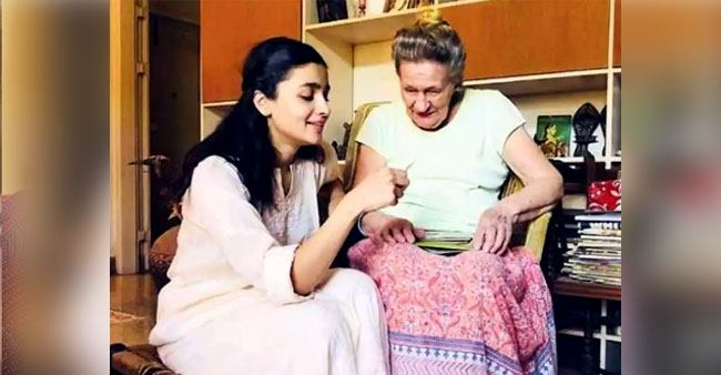 Alia Bhatt's adorable picture with her grandmother for 'Throwback Thursday' is heartwarming