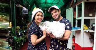 Ankita Bhargava shares the first picture of bringing her baby girl home after delivery