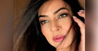 Sushmita Sen's candid picture is all about twinkly eyes and breathtaking beauty
