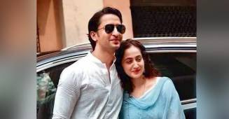 Shaheer Sheikh is all ready to reveal his and wife Ruchikaa's love story