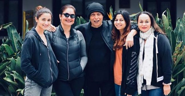 Pooja Bhatt Used To Dislike Soni Razdan For Taking Away Her Daddy Mahesh Bhatt
