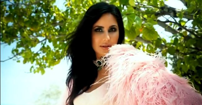 Katz Wows With Her Exquisite Beach Photo Session For Falguni & Shane Peacock's Magazine