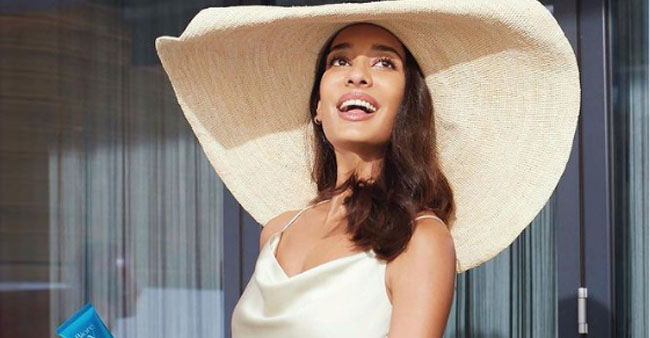 Lisa Haydon Attends Friend's Baby Shower, Posts Video That Mom-To-Be Might Erase Later