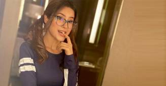 BB13's Shehnaaz Shares A Pic Of Her Nerdy Self; Fans Can't Stop Swooning & Drooling