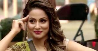 Hina Khan drives her fans crazy with her emotions