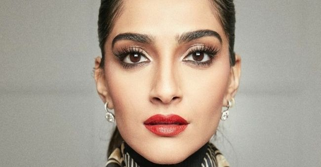 Trolls calls out 'showoff' Sonam Kapoor for posing on a 18 lakhs sofa
