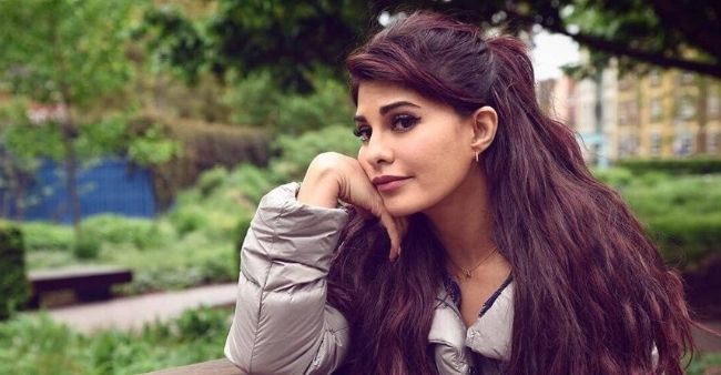 Jacqueline Fernandez urges fans to come together and help in COVID-19 instead of criticising celebrities