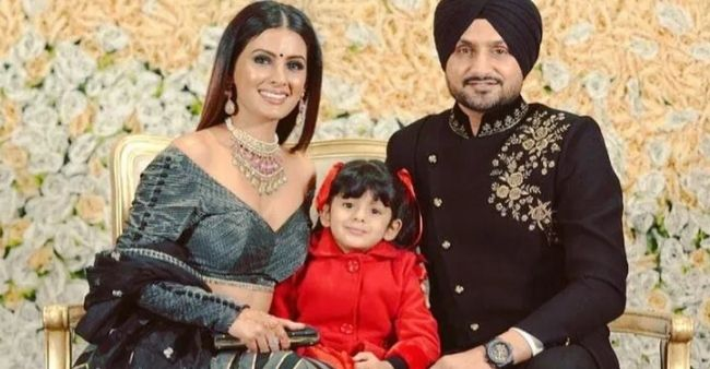 """Geeta Basra spills the beans on arguments withHarbhajan Singh: """"Usually, it isabout Hinaya"""""""