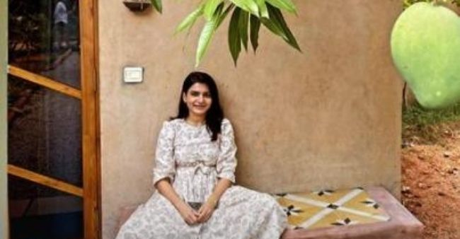 Samantha Akkineni poses with a mango tree, proves she is a nature lover