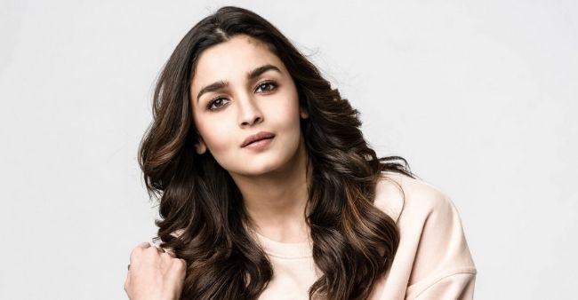 Masaba Gupta takes on Neena Gupta with throwback video