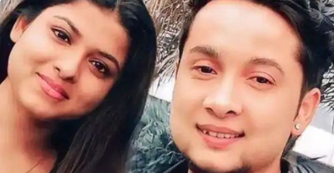 Arunita Kanjilal and Pawandeep Rajan goes out on a date, fans captures the romantic outing