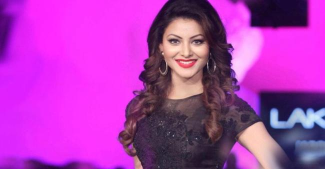"""Urvashi Rautela gets """"dirty hot"""" as she gets herself covered in mud"""