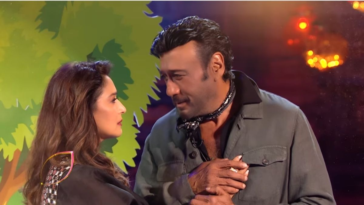 Madhuri Dixit and Jackie Shroff recreates their iconic scene from the film 'Guide' on the stage of Dance Deewane