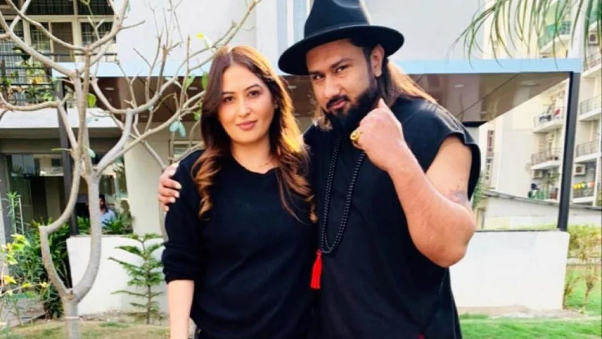 Yo Yo Honey Singh's wife Shalini Talwar accuses him of domestic violence, she has been hinting about the same on social media