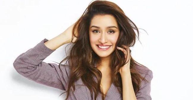 Priyanka Chopra picks up injury during Citadel shoot; shares pictures
