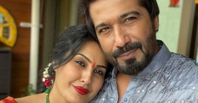 Kamya Punjabi slams the troller saying that I would have filed a defamation case against here
