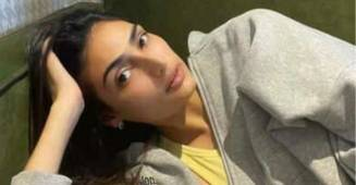 Athiya Shetty stays relax during mid-week in her oversized hoodie