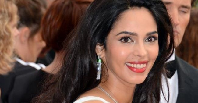 """Malika Sherawat slams moral Police says """"My co stars were never questioned for bold scenes"""""""