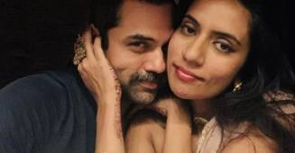 Abhay Deol expresses his love for his lady love publicly; Picture goes viral on social media