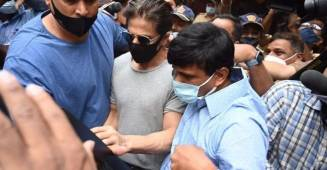 Members of the film industry lash out at media for insensitivity as SRK visits son in jail
